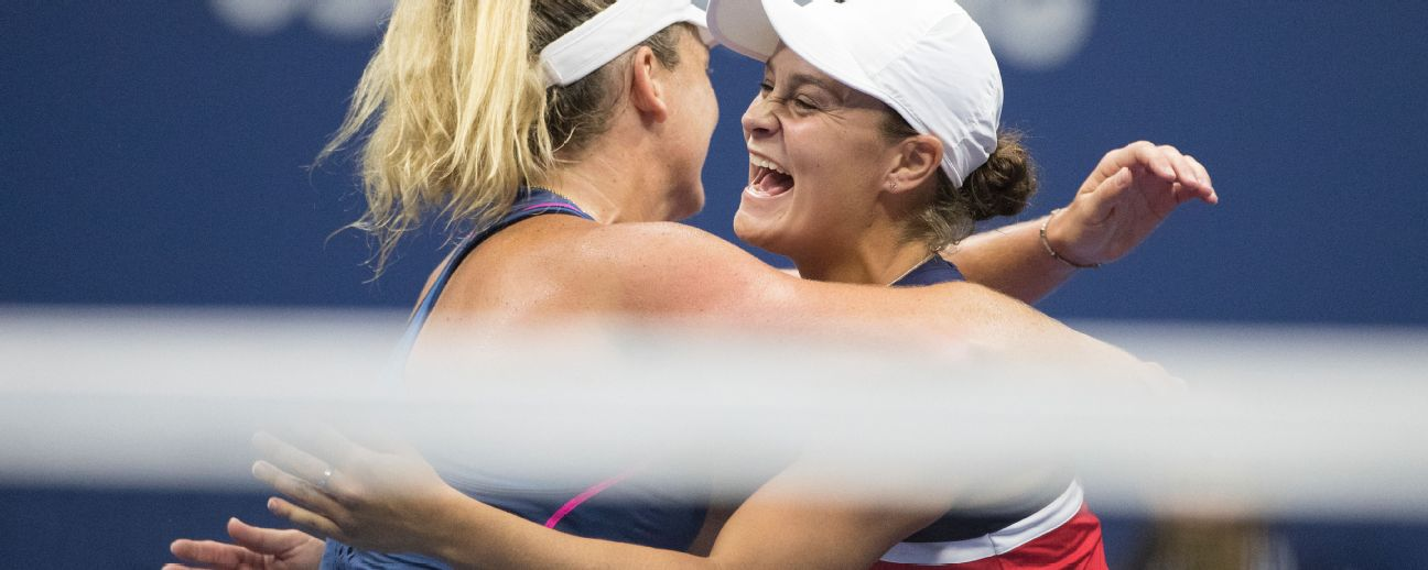 CoCo Vandeweghe and Ashleigh Barty celebrate their win at the US Open.