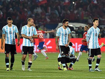 Argentina volvió a Buenos Aires en silencio