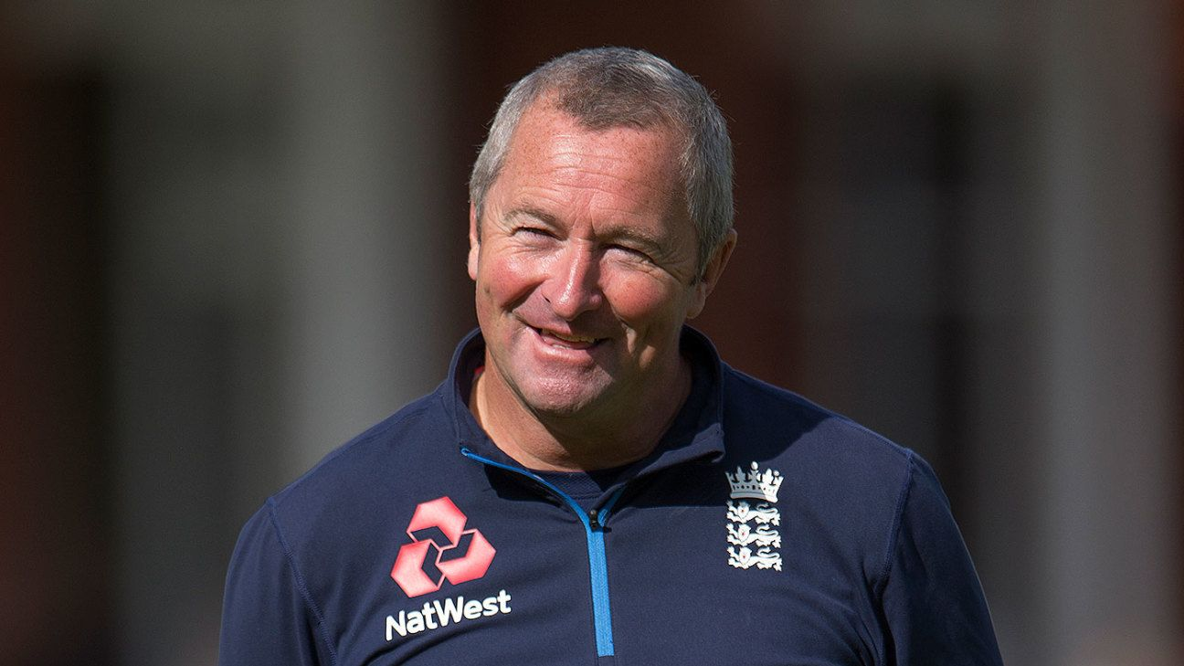 England lose Paul Farbrace to Warwickshire ahead of World Cup
