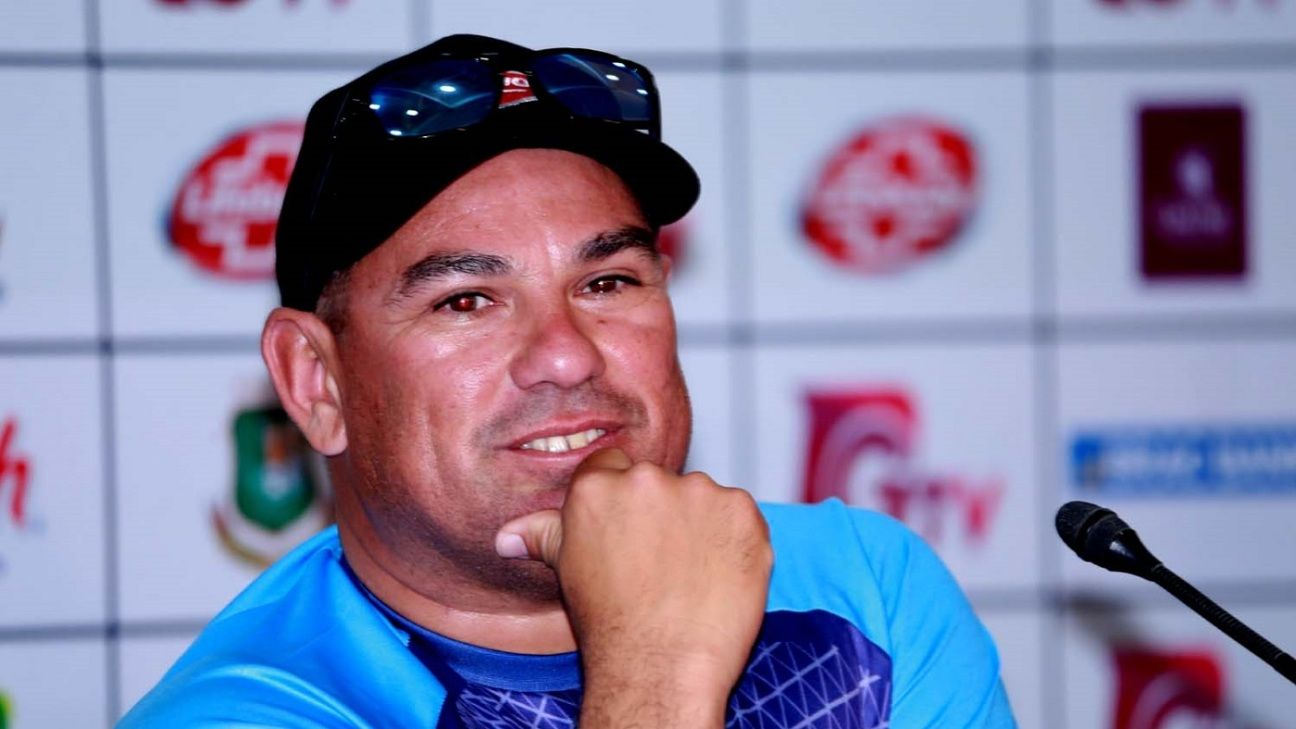 """Mahmudullah is my T20I captain"" - Russell Domingo"