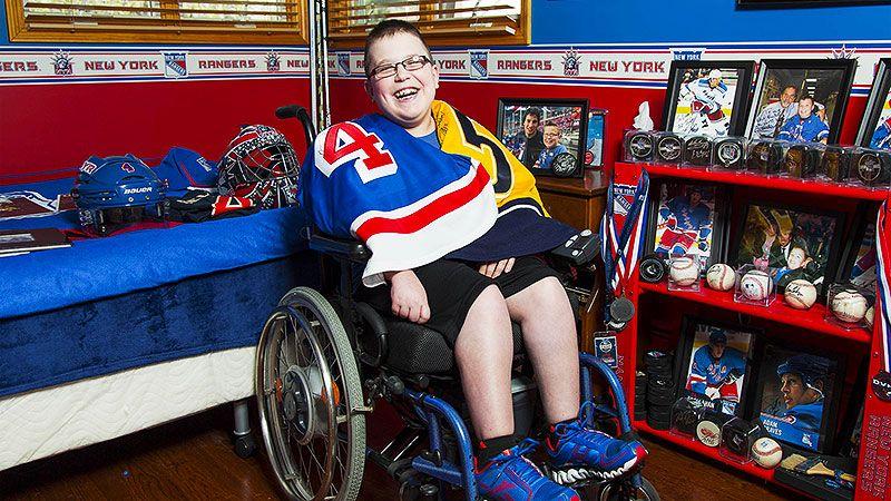 NHL: Michael Del Zotto's biggest fan
