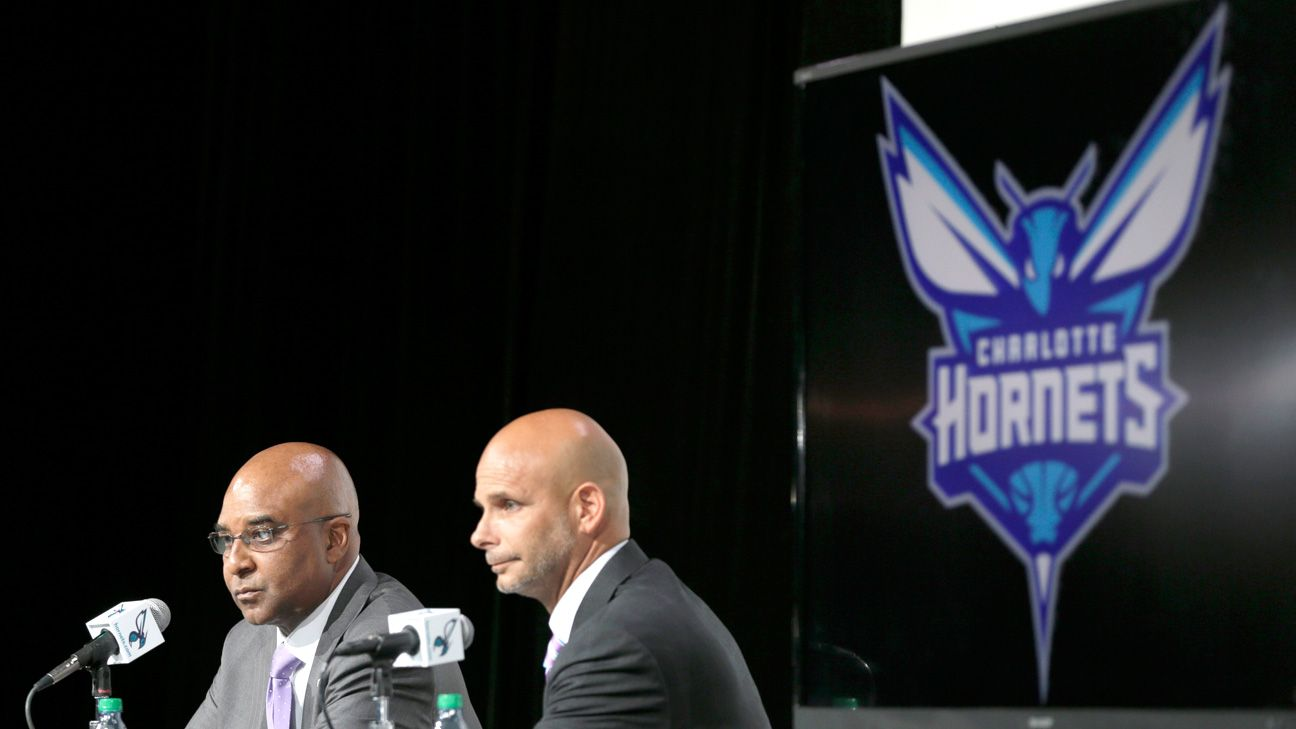 be4e07f1561 Charlotte Bobcats officially change nickname to Hornets