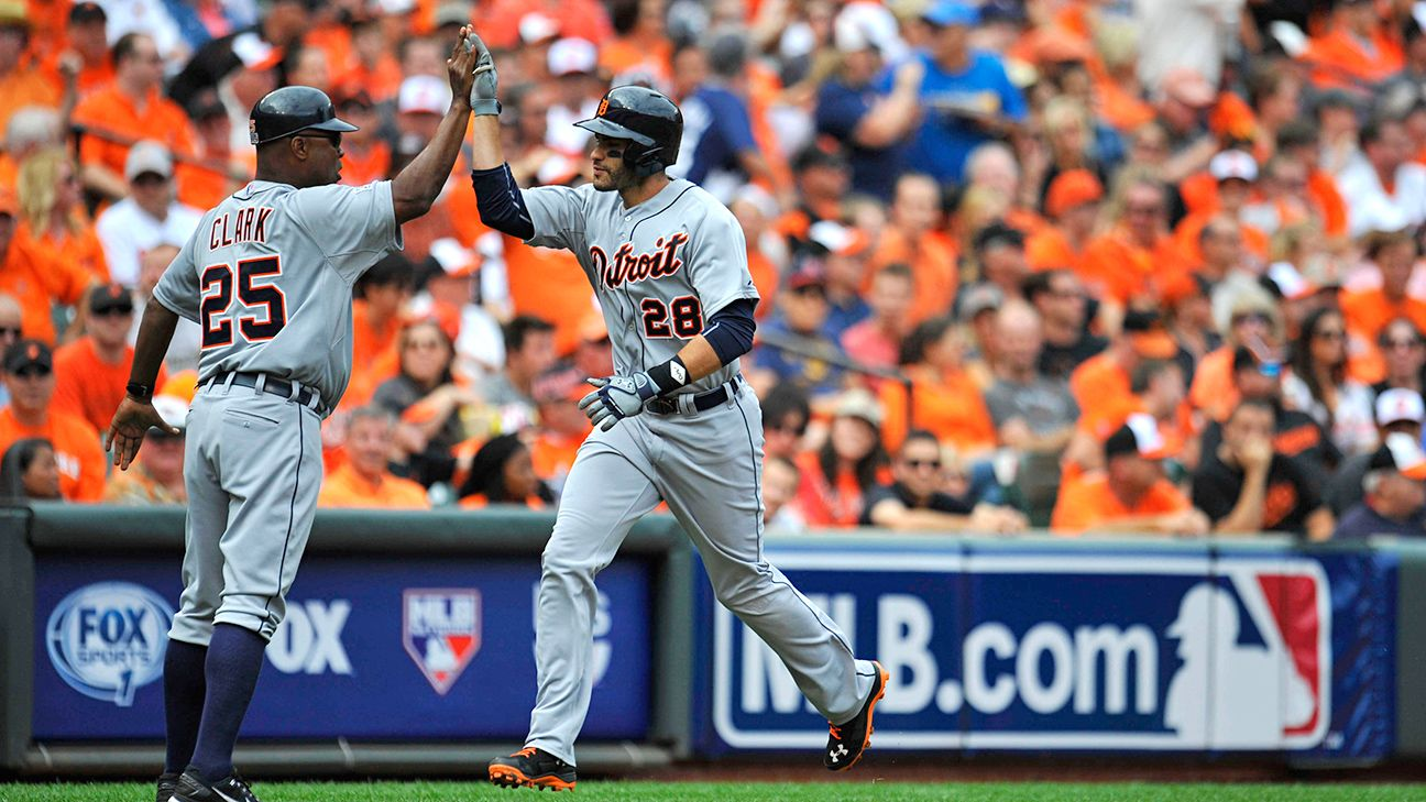 Source: Tigers, OF Martinez strike 2-year deal