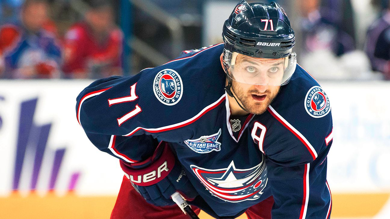 Maple Leafs acquire Blue Jackets captain Foligno