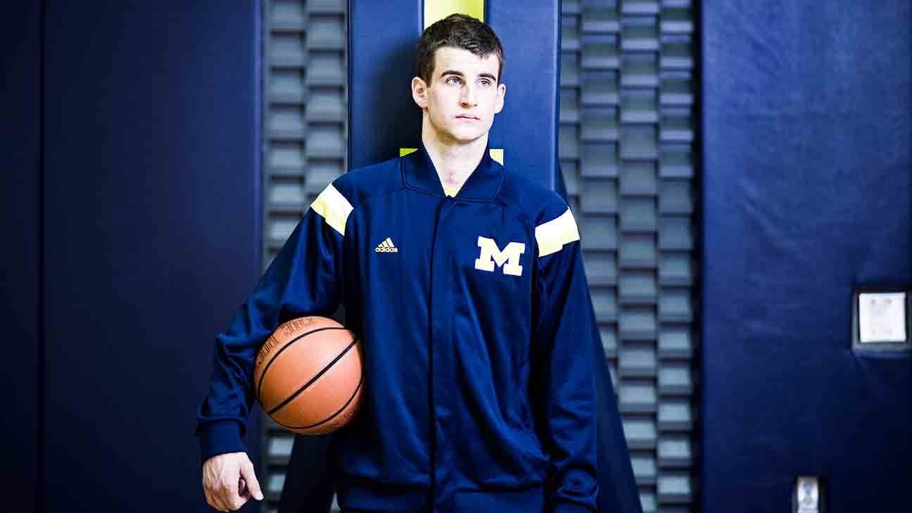 6a76c44c945 Michigan Wolverines basketball player Austin Hatch survived two plane  crashes