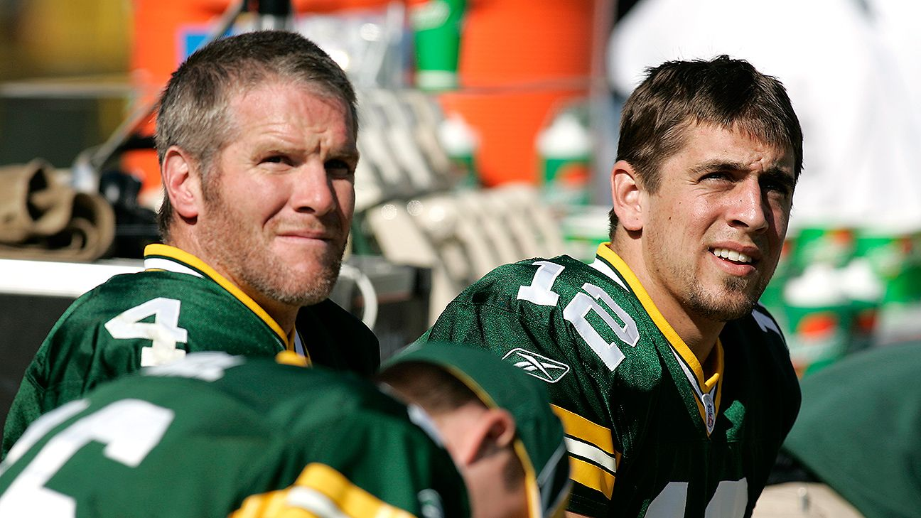 Brett Favre says he thinks Aaron Rodgers won't finish career with Packers