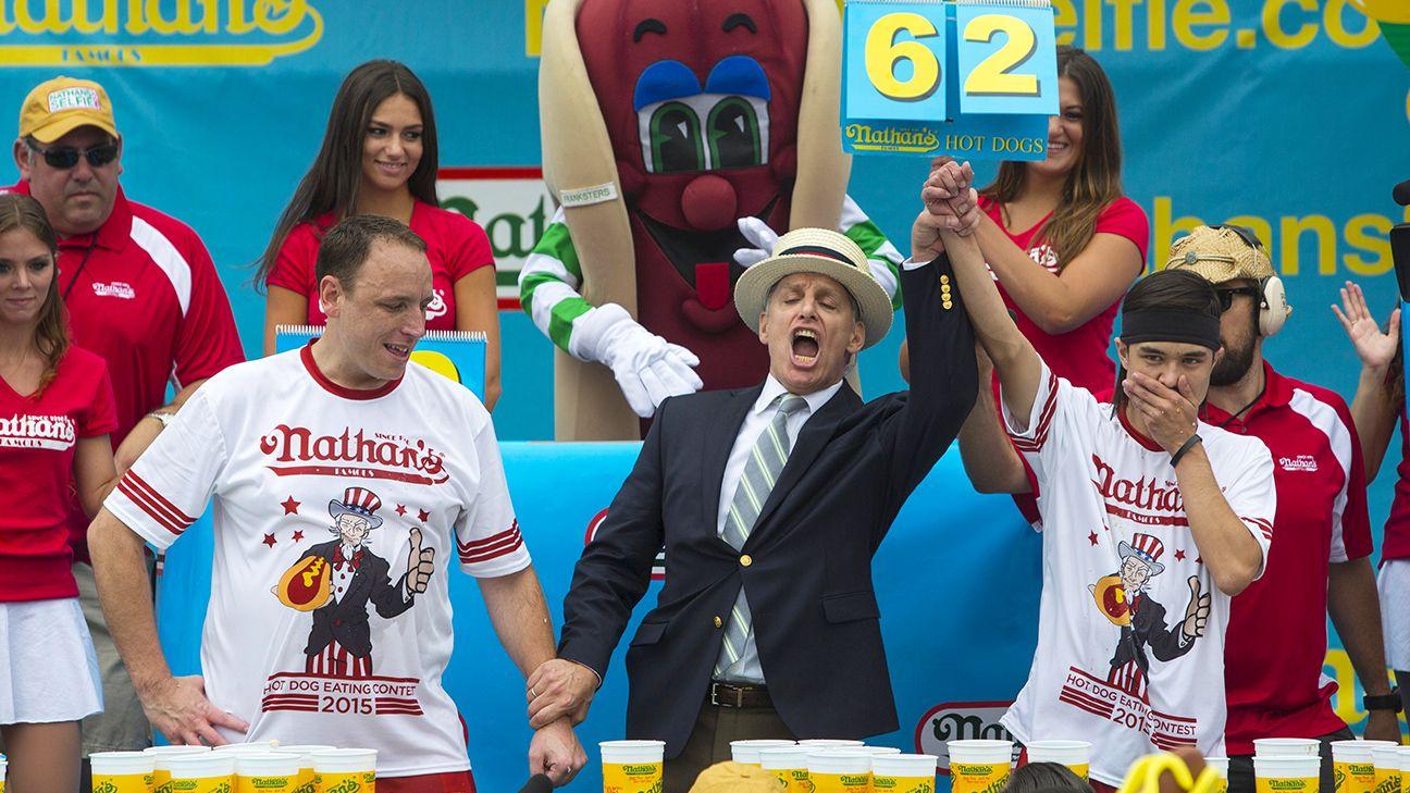 Matt Stonie Upsets Joey Chestnut Wins Nathan S Hot Dog