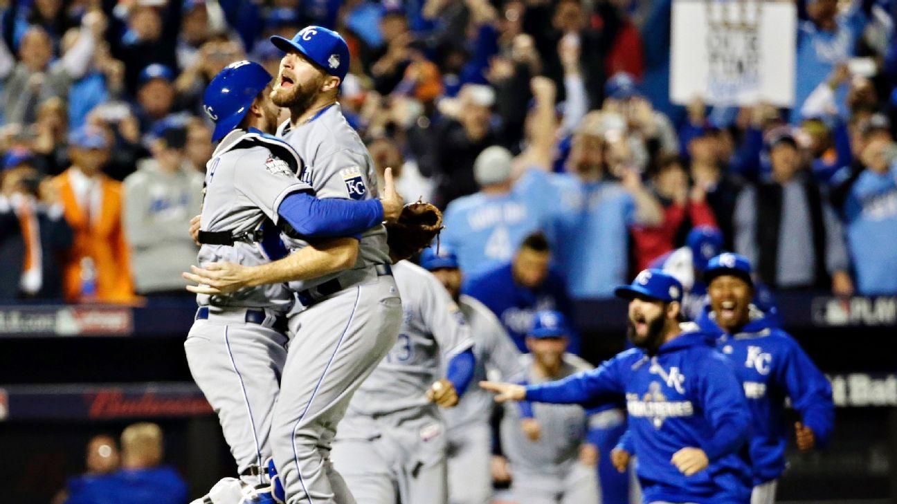 Kansas City Royals break through late again to win 2015