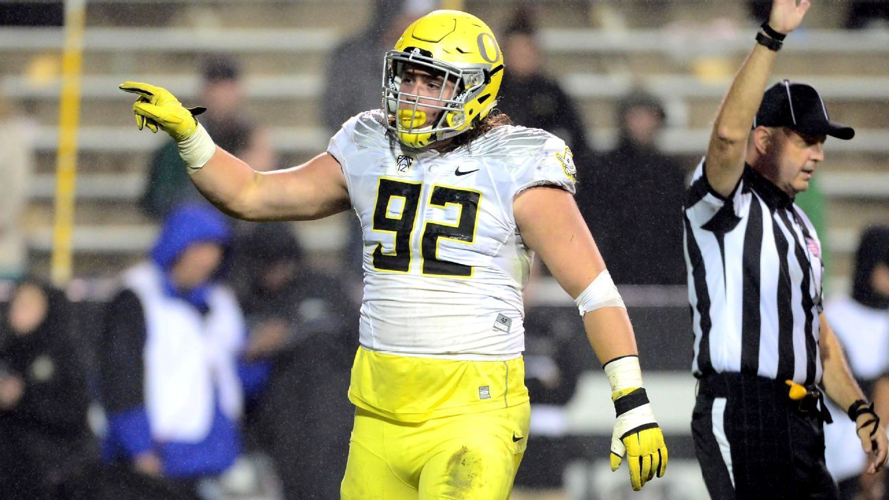 the latest ae54a eac15 Oregon Ducks need Henry Mondeaux to become a defensive star ...