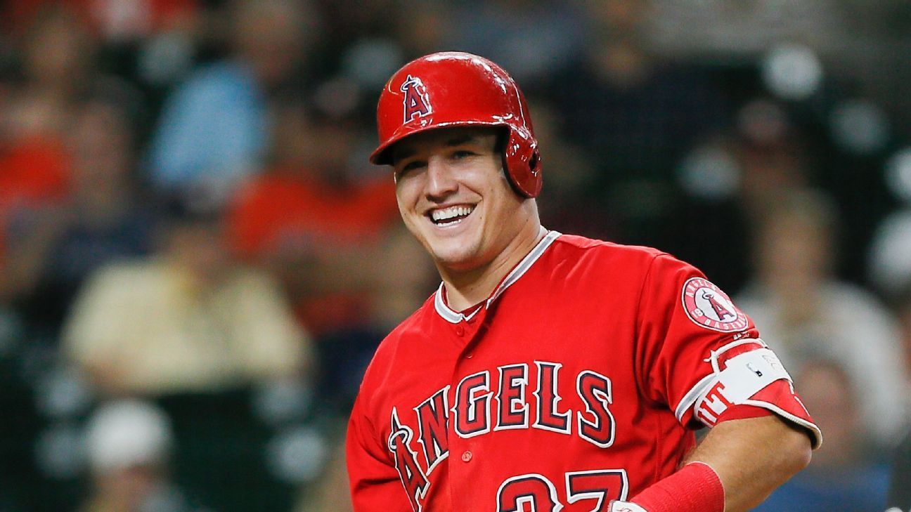 a7c78e565d6 Carson Wentz, Mike Trout go hunting together for the holidays -  Philadelphia Eagles Blog- ESPN