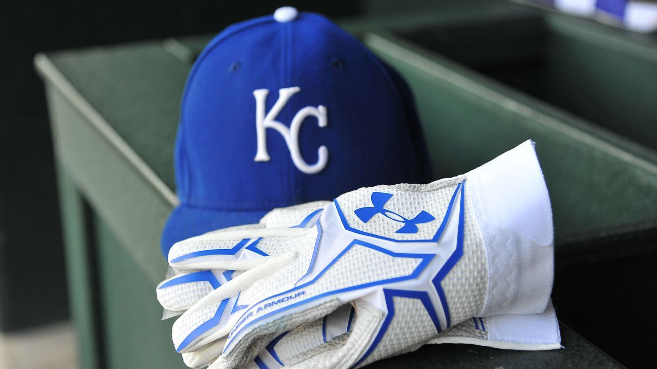 Royals sign ex-All-Star Rosenthal to minors deal