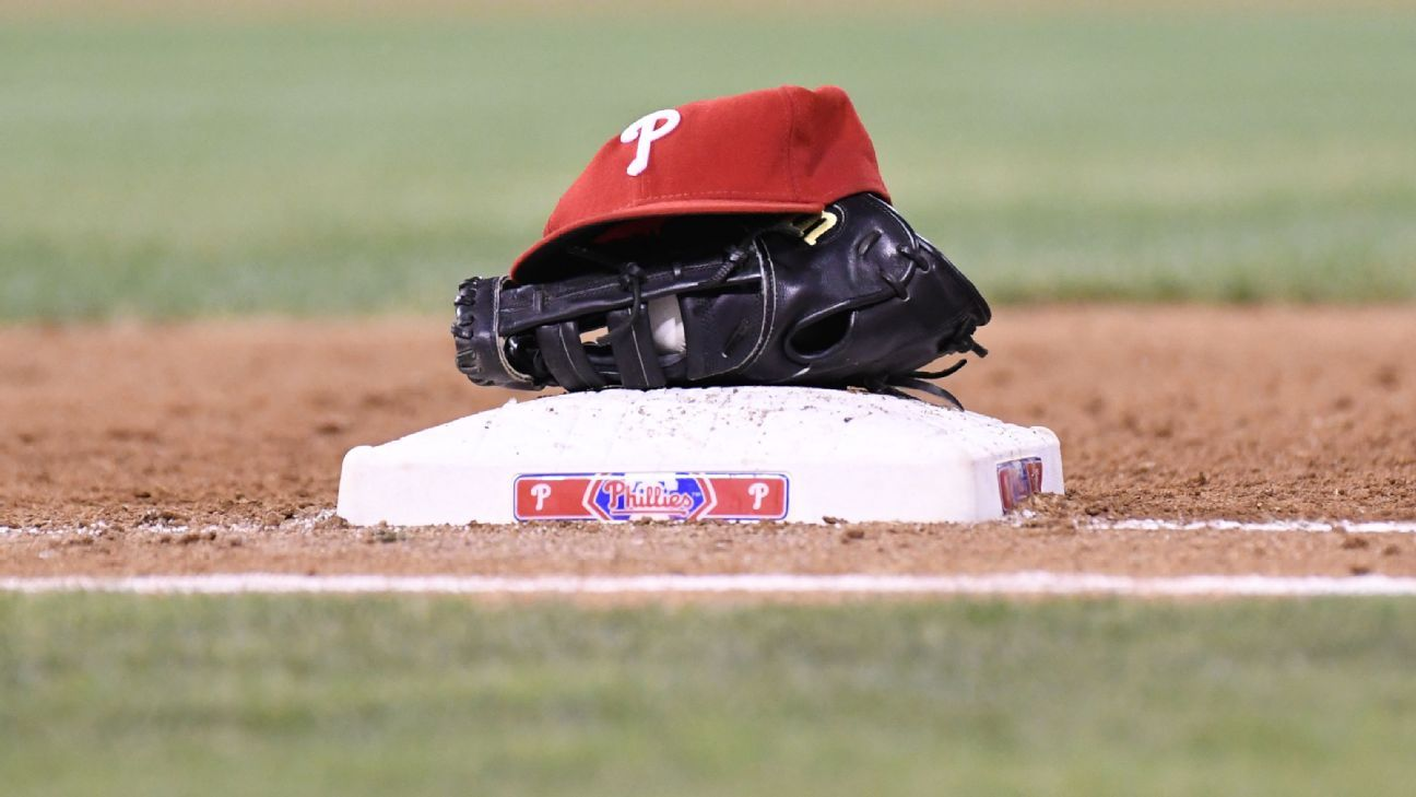 Joe Dillon hired as Phillies new hitting coach under Joe Girardi