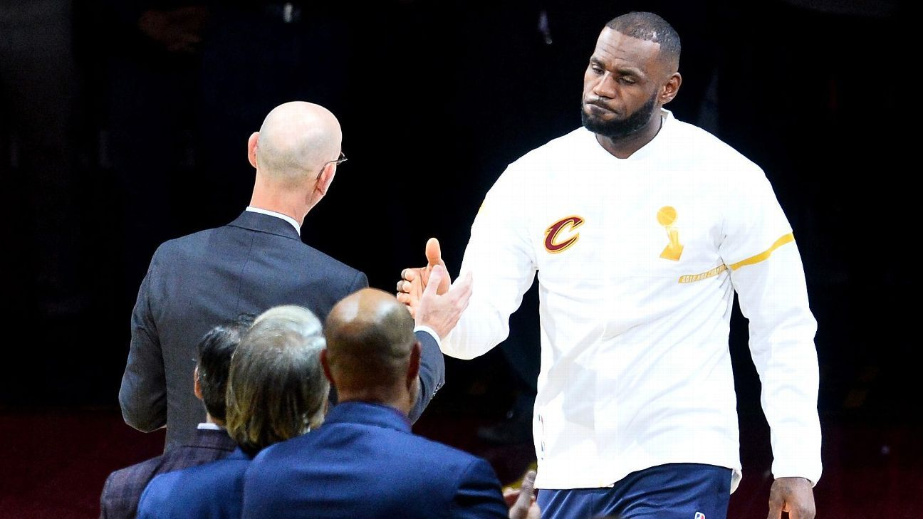 a9c7dc655e59 LeBron James of Los Angeles Lakers says NFL owners have slave mentality