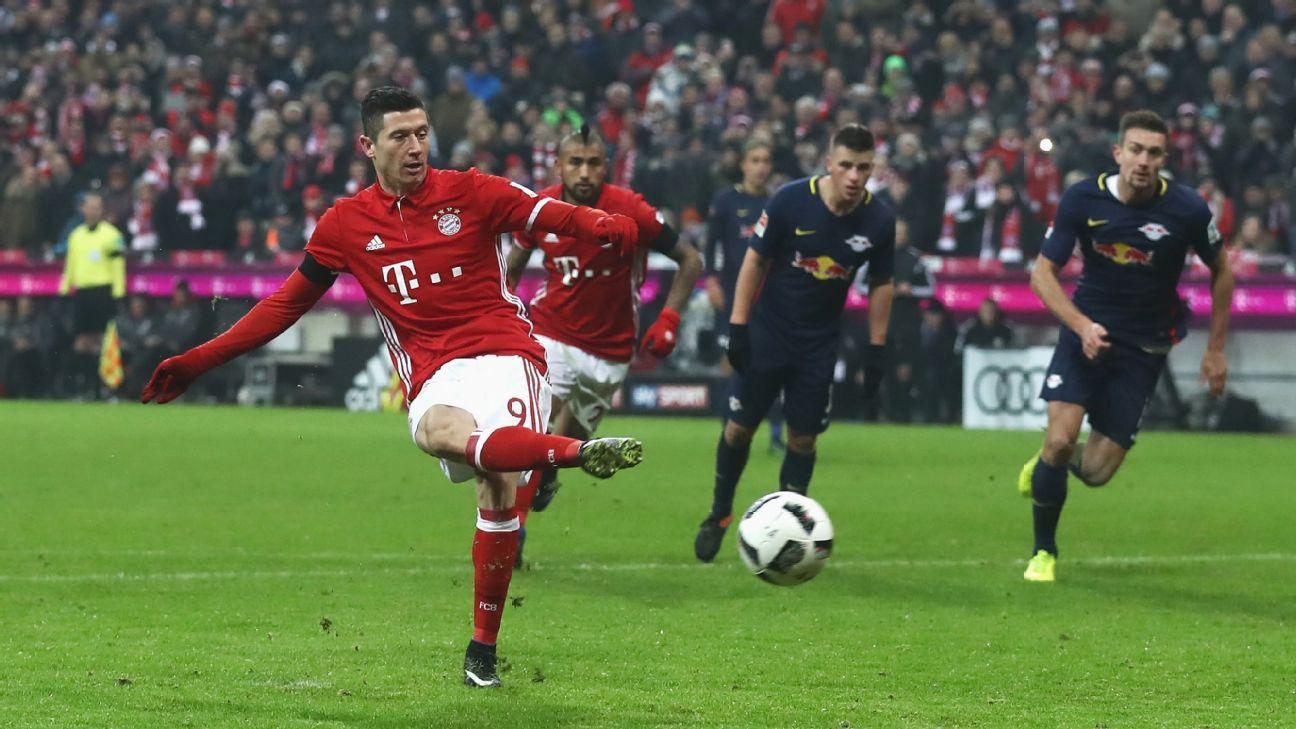 Bayern Munich striker Robert Lewandowski: I should have scored ...