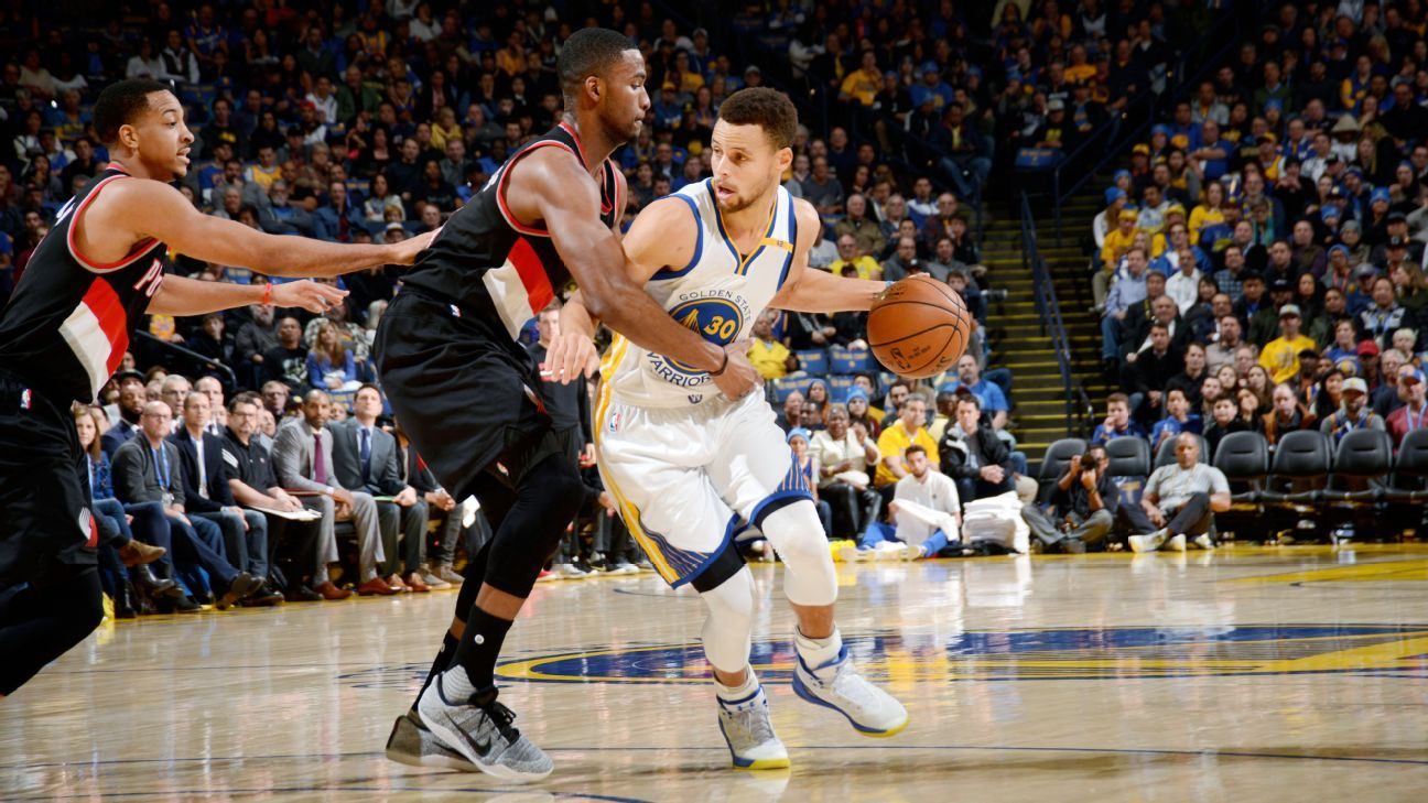 b34d2dad44f Golden State Warriors fight through Portland Trail Blazers  upset bid - Golden  State Warriors Blog- ESPN