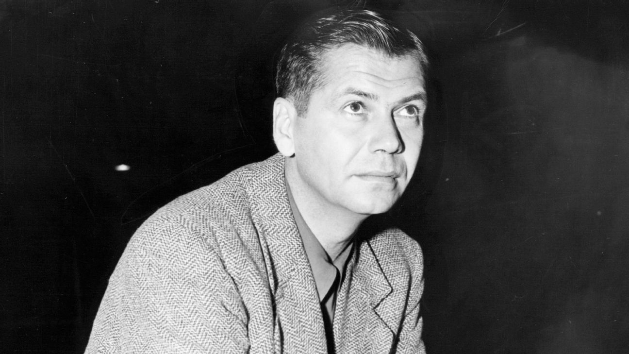 88402064675 Hall of Fame coach John Kundla, who led Lakers to five NBA titles, dies at  101