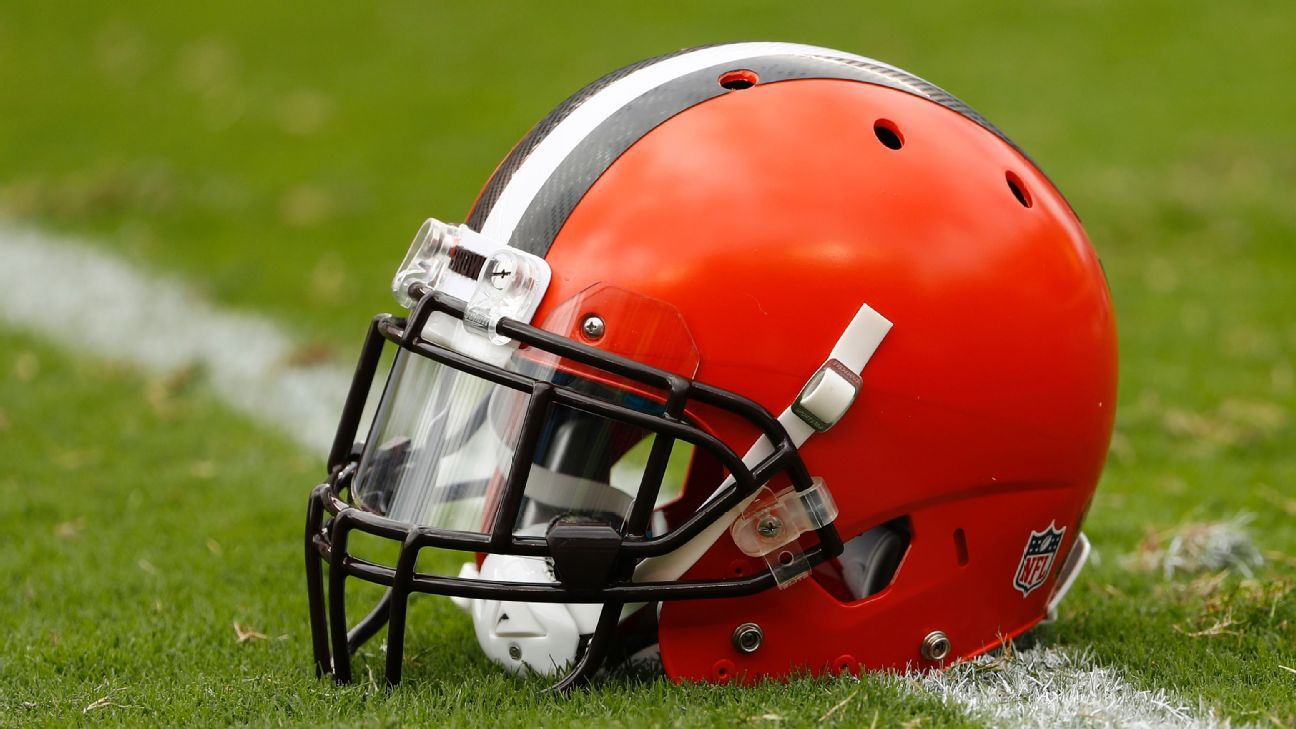 Browns cut four players, free up $13M on cap