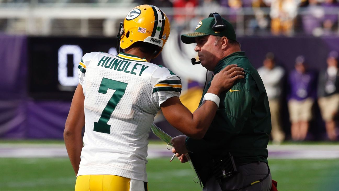The backup quarterback blueprint - How Green Bay Packers can win with Brett  Hundley after Aaron Rodgers season-ending injury- NFL 2017 218aaabfb