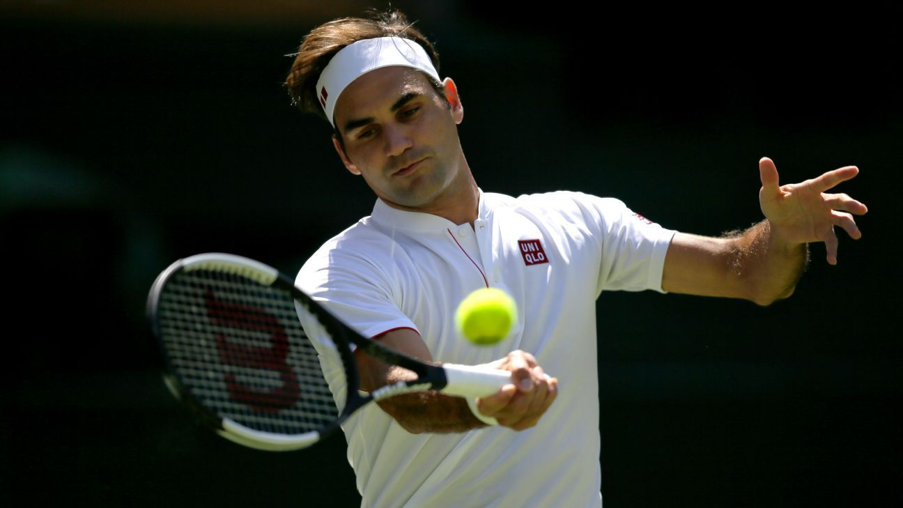 218c53b6e Roger Federer wears Uniqlo apparel for Wimbledon opener, ending apparel  deal with Nike