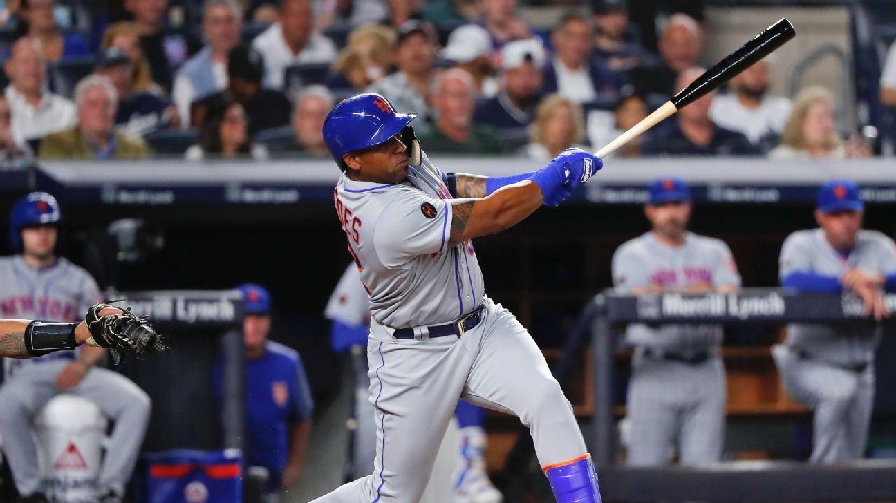 New York Mets' Yoenis Cespedes takes batting practice in return effort