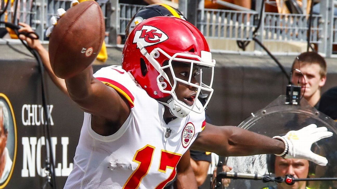 Wide receiver Chris Conley and offensive lineman Cedric Ogbuehi are headed to Jacksonville, the Jags announced Saturday.