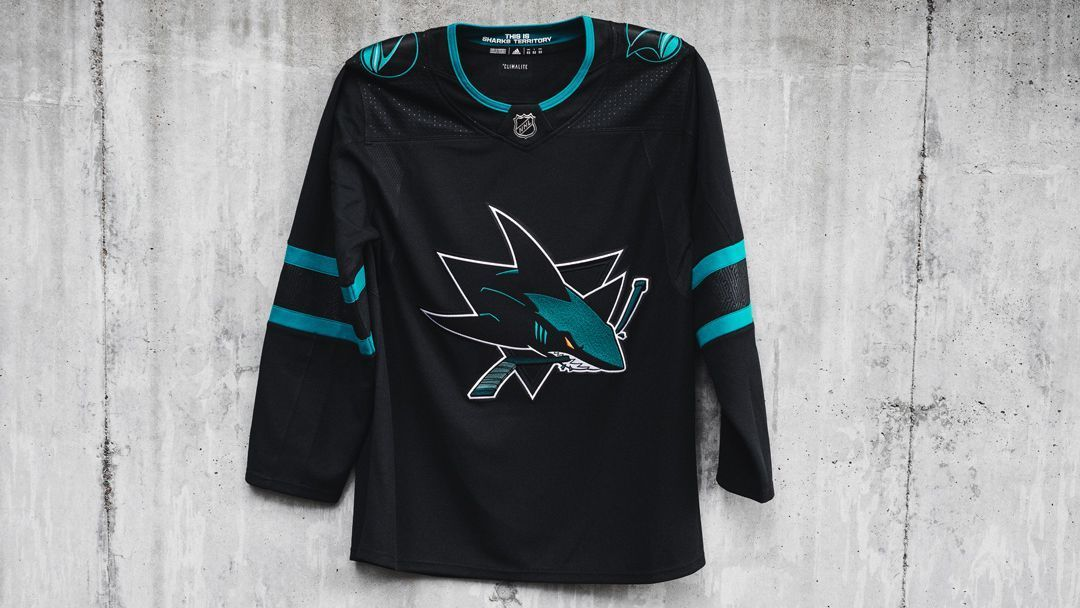d5b924e4fe8e Erik Karlsson unveils new San Jose Sharks jersey in surprise appearance