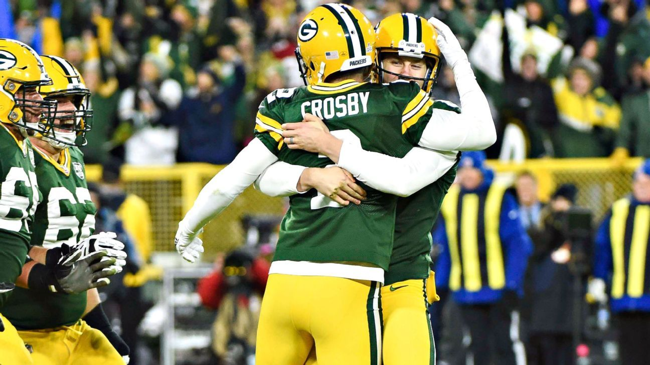 Packers kicker Mason Crosby gets game ball after family death