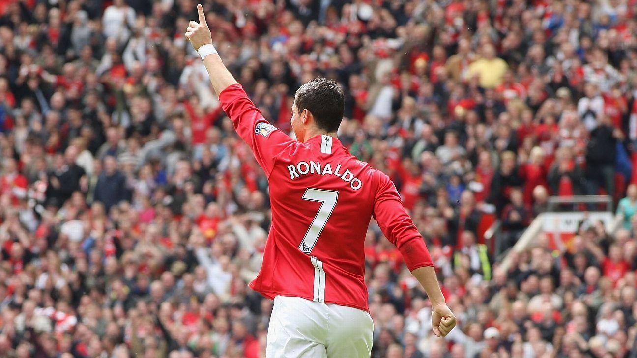 Manchester United hand Cristiano Ronaldo iconic No. 7 shirt