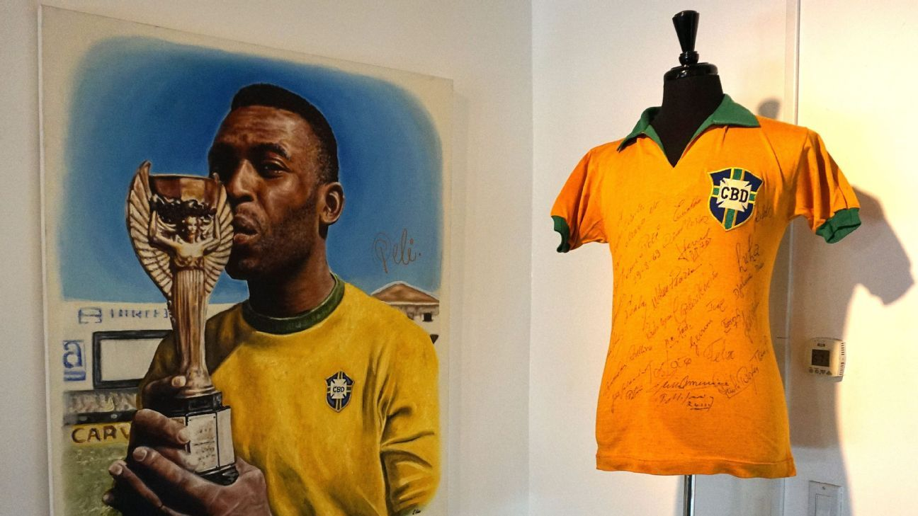 4b83a038537 Designer of Brazil s iconic football kit Aldyr Schlee dies aged 83