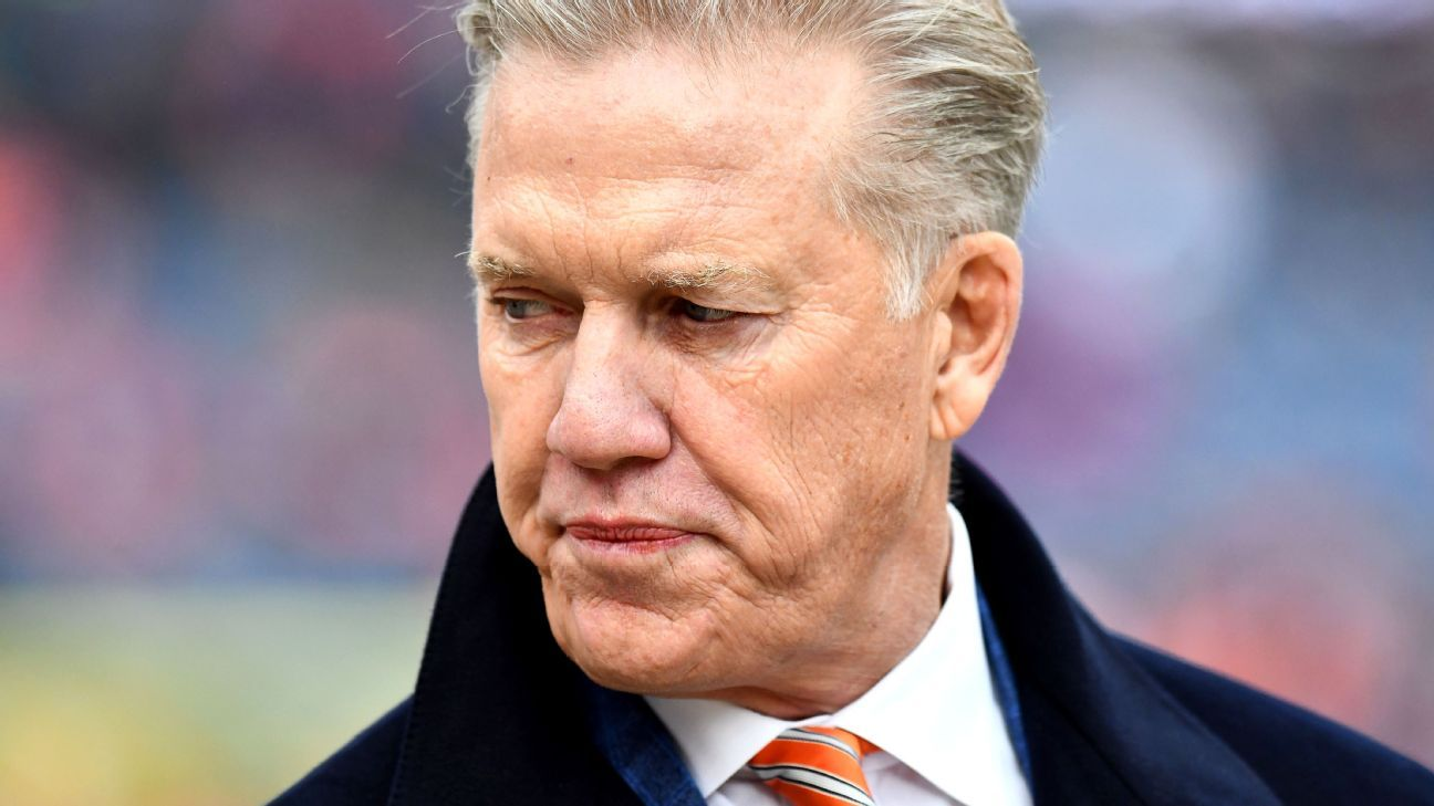Parallels abound between Elway's first year in charge of the Broncos and this offseason. Only this time, the mess he's cleaning up is his own.