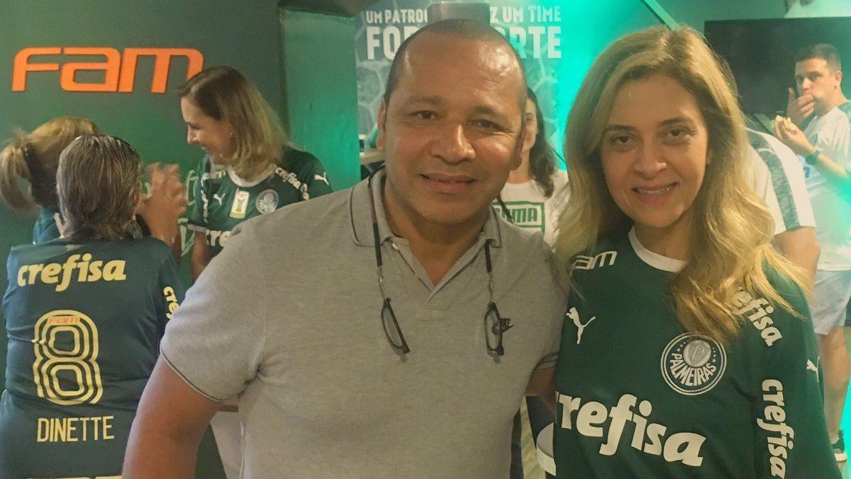 Resultado de imagem para Pai de Neymar assiste a Palmeiras x Santos ao lado de Leila Pereira