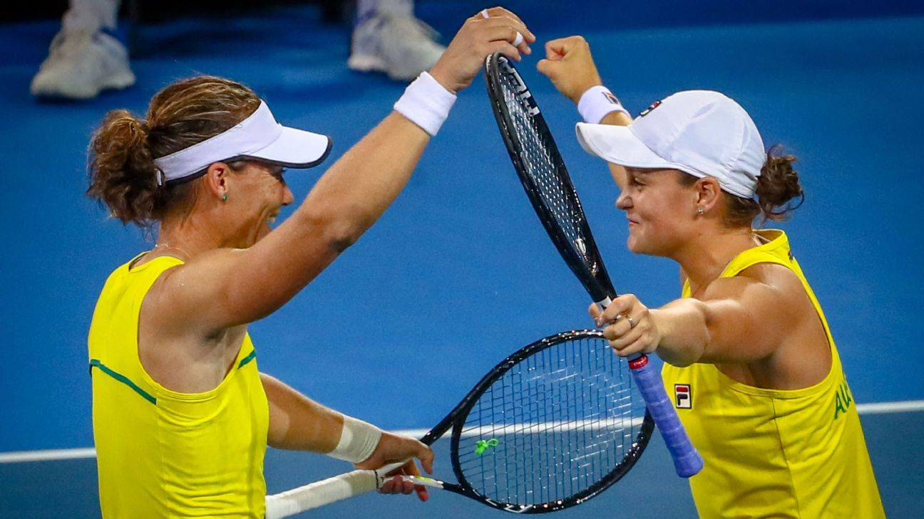 Australia tops Belarus, advances to Fed Cup final