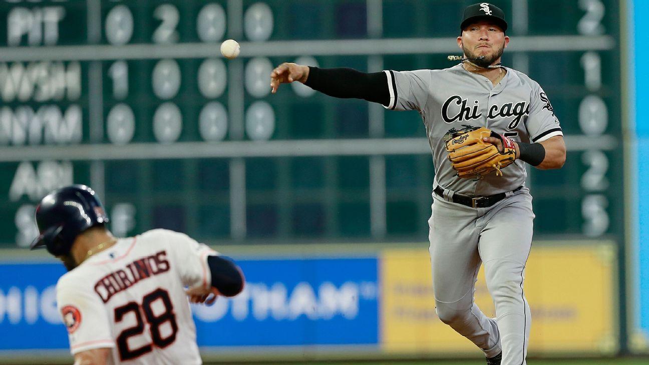 White Sox turn season's 1st triple play vs. Astros