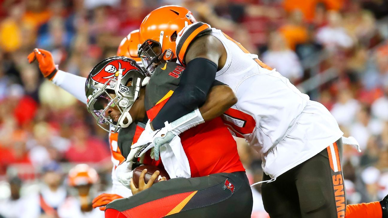 Browns DE to play vs. Jets after girlfriend's death