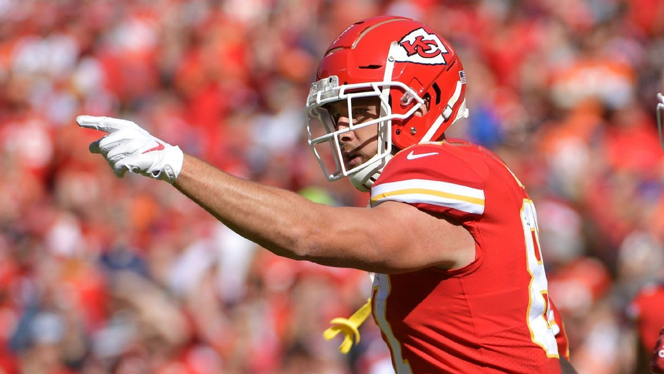 Travis Kelce regrets shoving Chiefs offensive coordinator, says 'we're good'