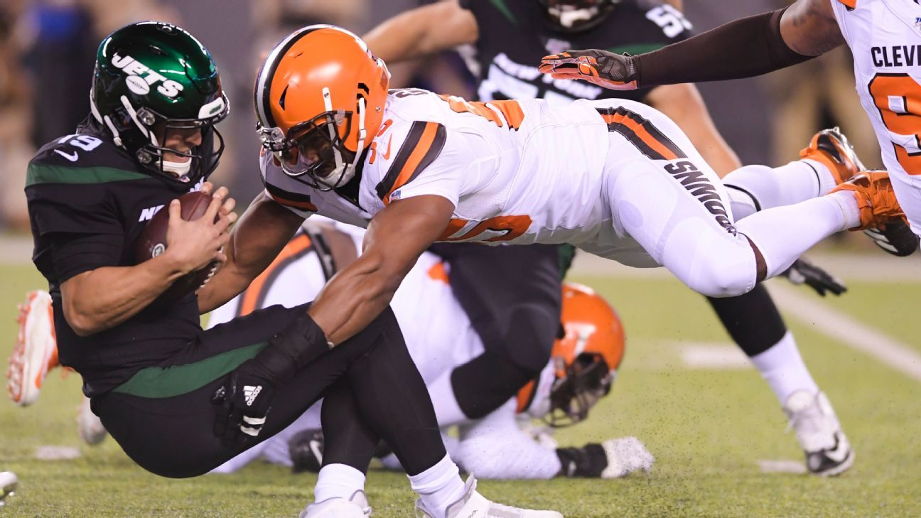 Browns' Garrett fined $42K for two Siemian hits