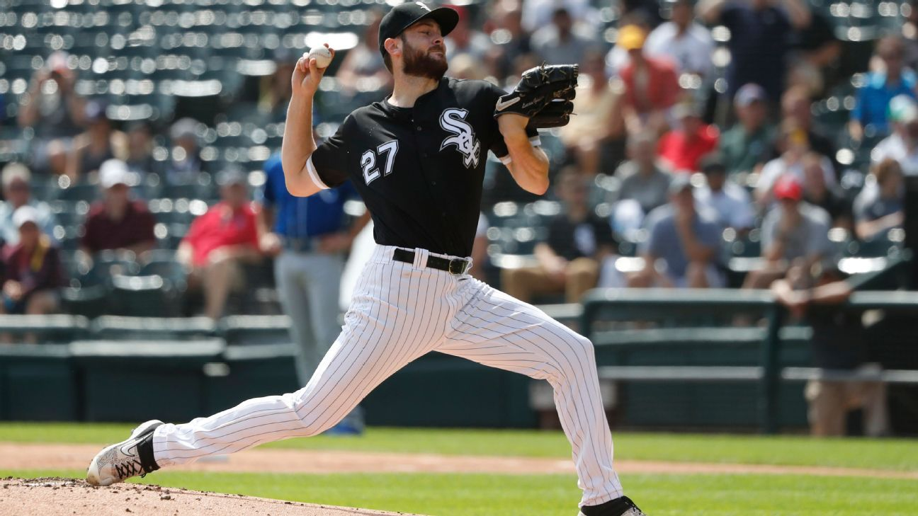 White Sox shut down RHP Giolito with lat strain