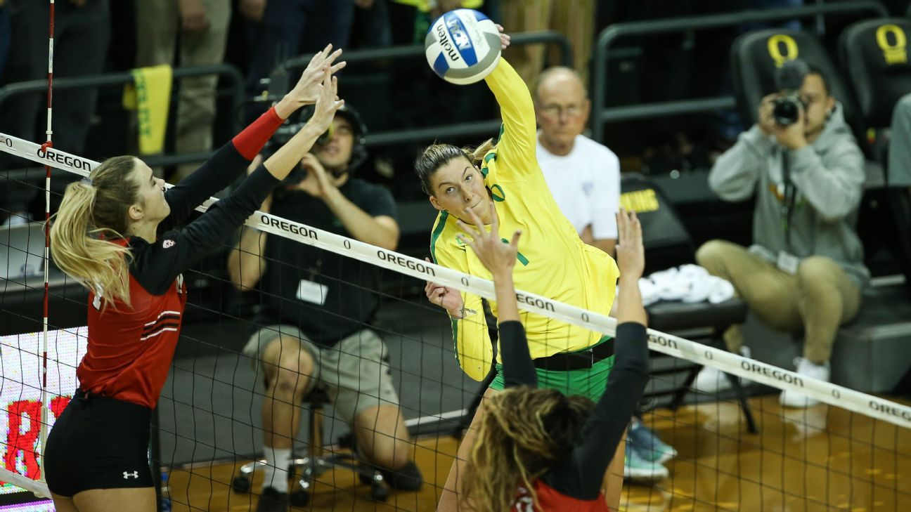 Willow Johnson and Ronika Stone bring storied MLB and NFL family legacies to Oregon volleyball