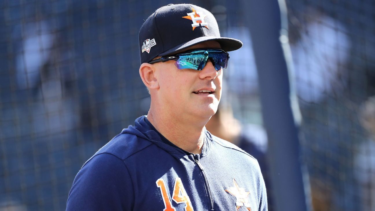 Astros' Hinch finds pitch-tipping paranoia 'funny'