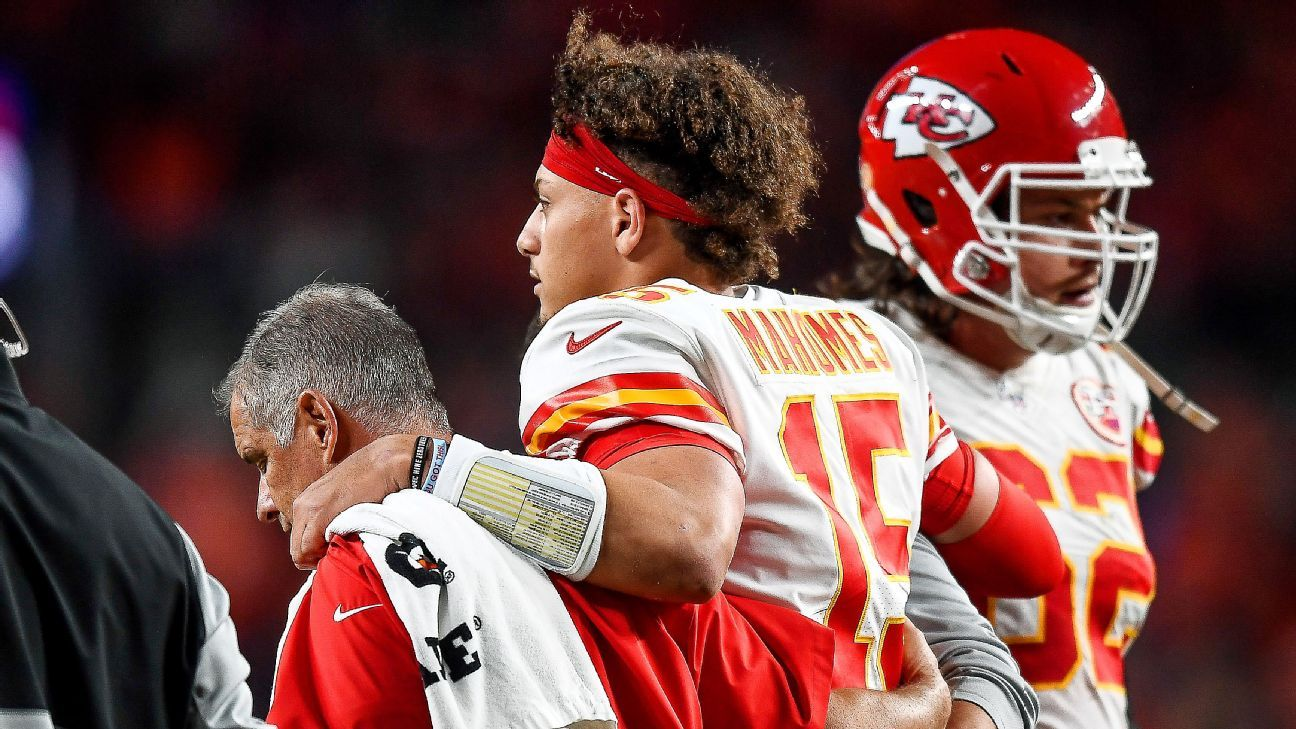 Andy Reid: 'Stretch' for Patrick Mahomes to play this week