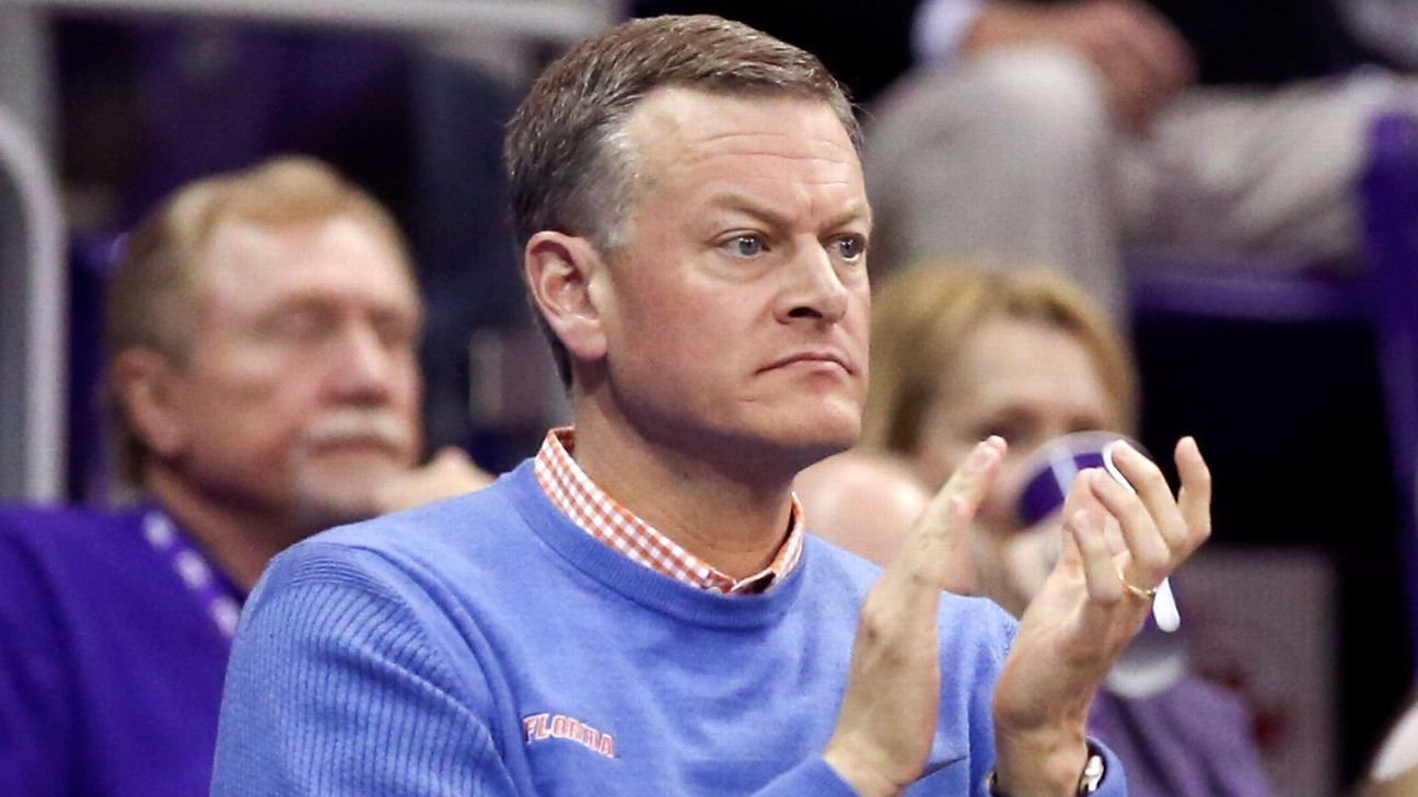 Florida AD Scott Stricklin takes to social media for schedule help