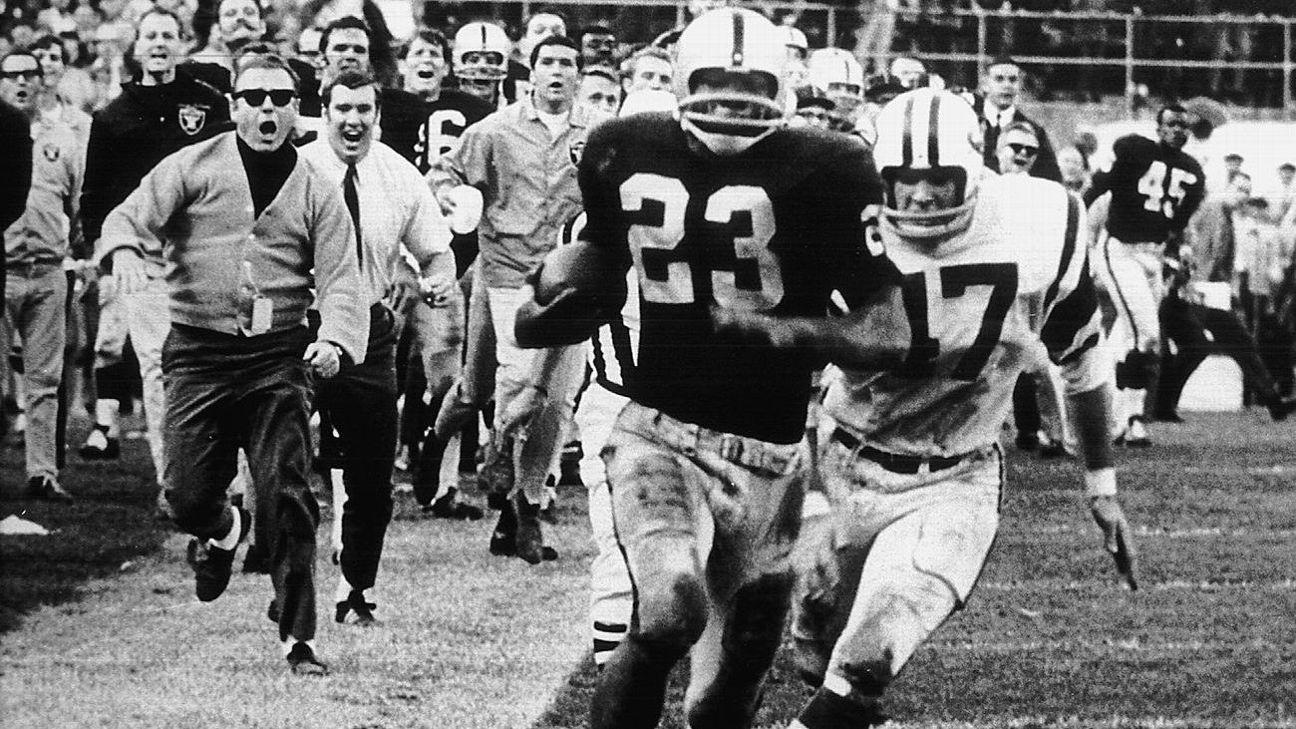 Memorable Raiders moments in the Oakland Coliseum