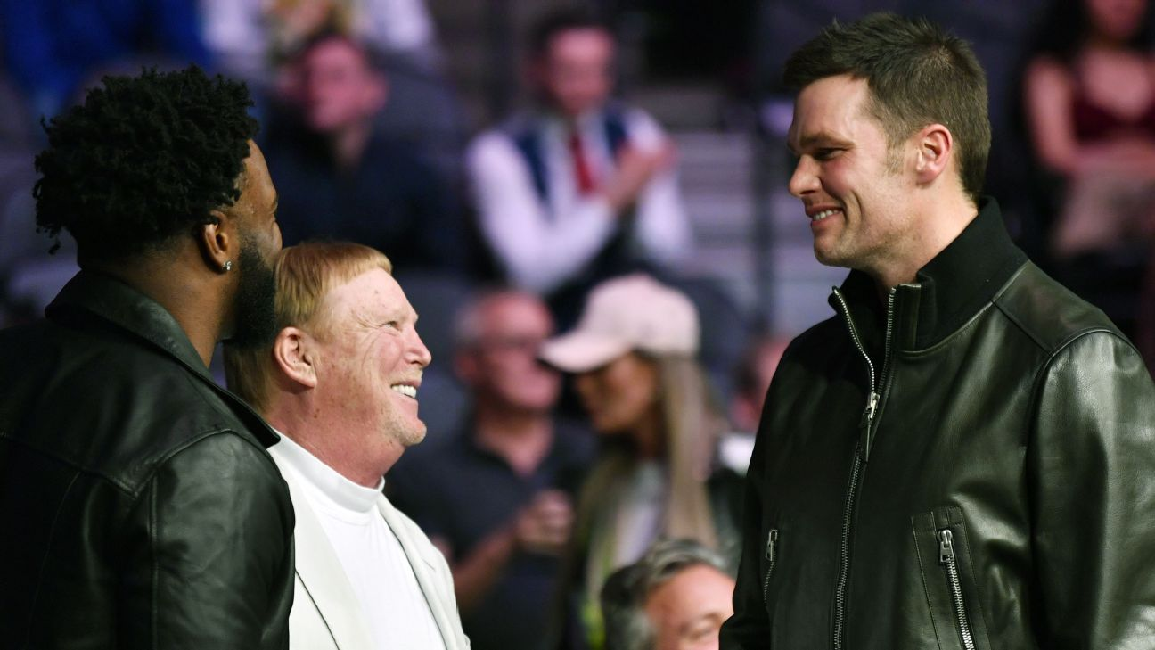 Tom Brady 'open-minded' about playing elsewhere