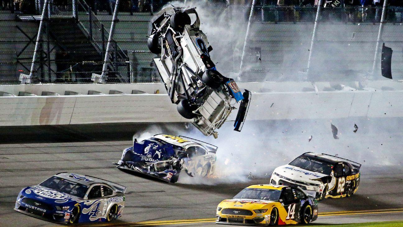 Newman awake, speaking after Daytona crash
