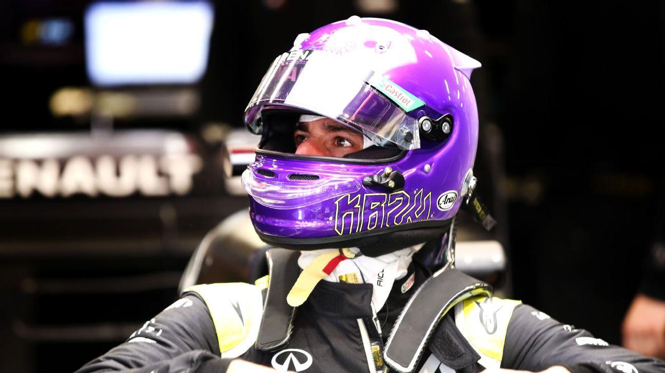 Ricciardo makes Kobe tribute with helmet