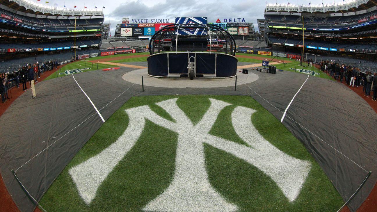 Bat girl fulfills 60-year-old dream with Yankees thumbnail