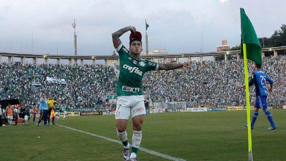 """Andrés Sanchez põe Dudu entre seus melhores amigos e diz: """"Se apresentou no Palmeiras com passagem paga pelo Corinthians"""""""