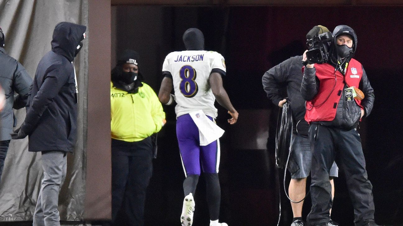 Ravens QB Lamar Jackson Says His Bout With Coronavirus is 'Probably' Connected to Cramping