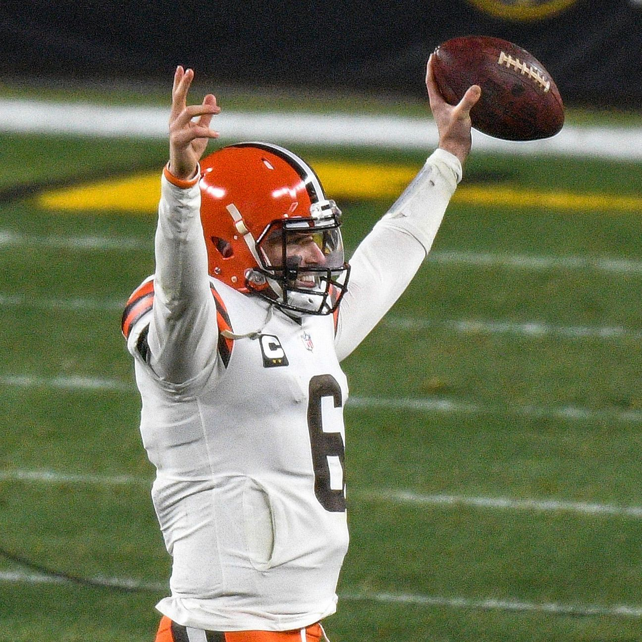 Source — Cleveland Browns exercise Baker Mayfield's fifth-year option – ESPN