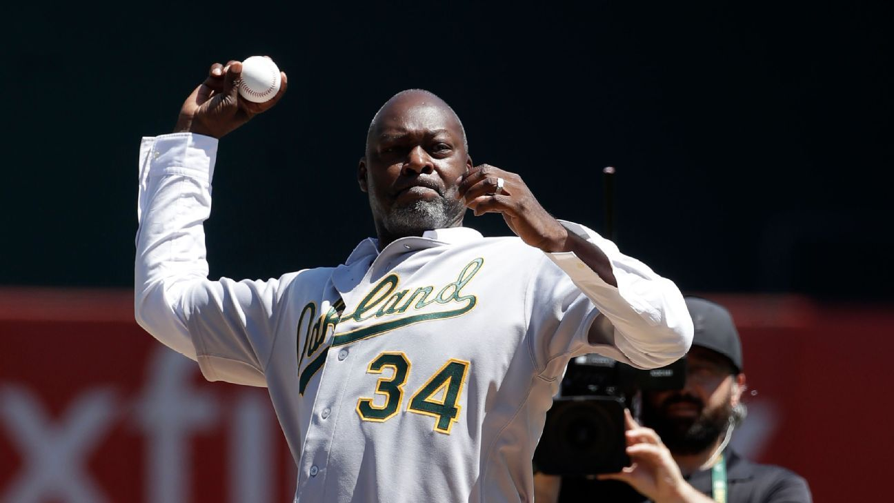 Ex-A's pitcher bids $115M on share of Coliseum
